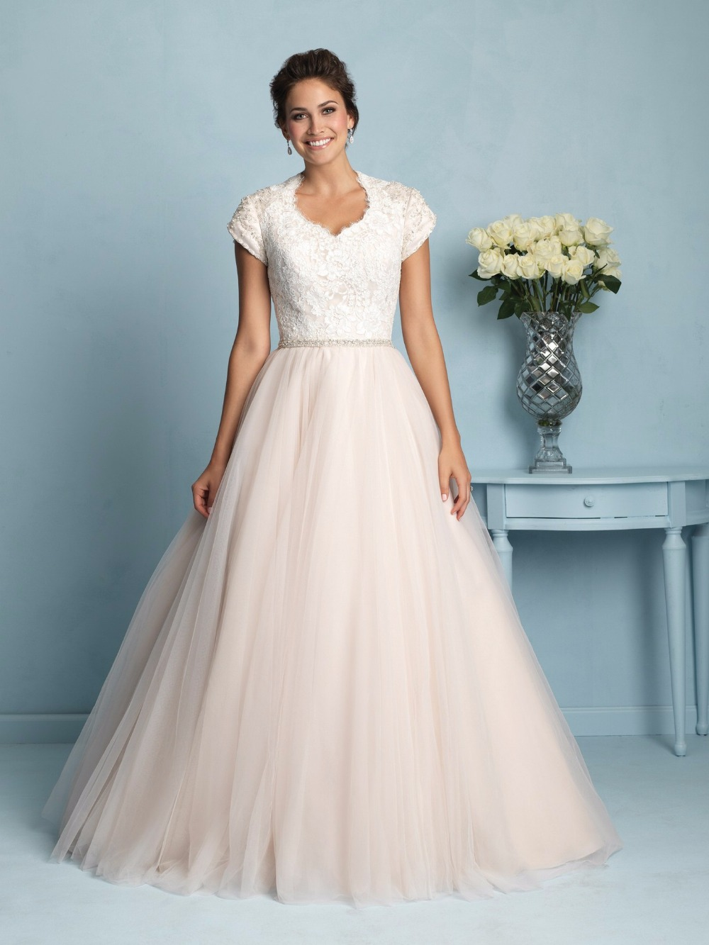 Wedding Dresses 2016 Tulle Short Sleeve Lace Appliques Pearls Ruched Bridal Dresses