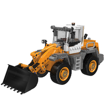 XINGBAO 03035 NEW City Engineering Series 694pcs The Forklift Loader Building Blocks Bulldozer Bricks Compatible Legoings