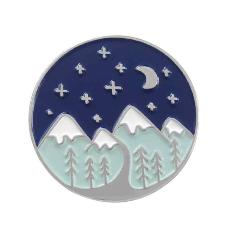 Bos Berg Avontuur Broche Maanlicht Sterren Sneeuw Berg Camping Exploratie Emaille Pin Badges Unisex Jas Sieraden Gift