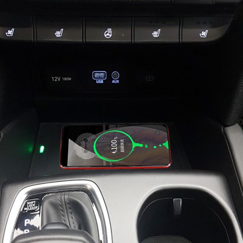 For Hyundai Santa Fe 2018 2019 Car QI Wireless Charging Phone Charger Wireless Mobile Charger Charging Plate Accessories