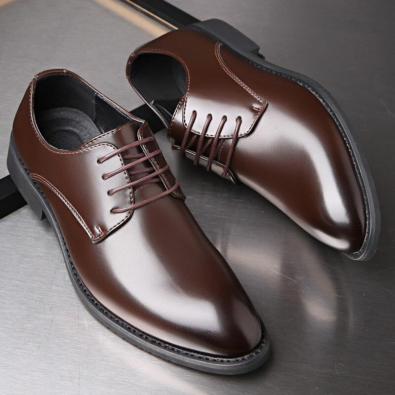 Zapatos de vestir para hombres de negocios clásicos zapatos de boda formales elegantes de moda zapatos de hombre deslizantes en Oxford de oficina para hombres 2019 nuevo