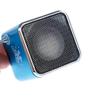 Image 5 - MOOL المحمولة TD V26 الرقمية FM سماعات راديو صغيرة تعمل لاسلكيًا مع LCD ستيريو مكبر الصوت دعم بطاقة TF صغيرة