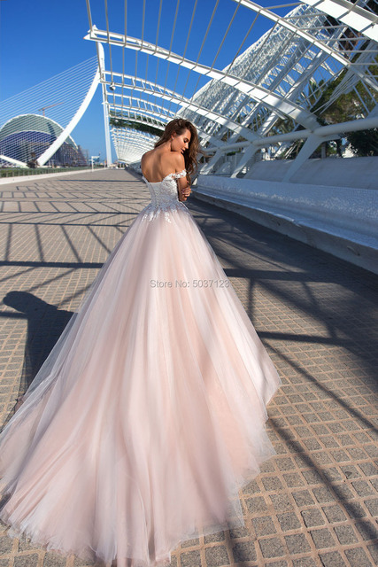 Beach Pink Wedding Dresses 2021 Off Shoulder Lace Appliques Tulle Bridal Wedding Gowns Sleeveless Corset Back Vestidos De Noiva 2