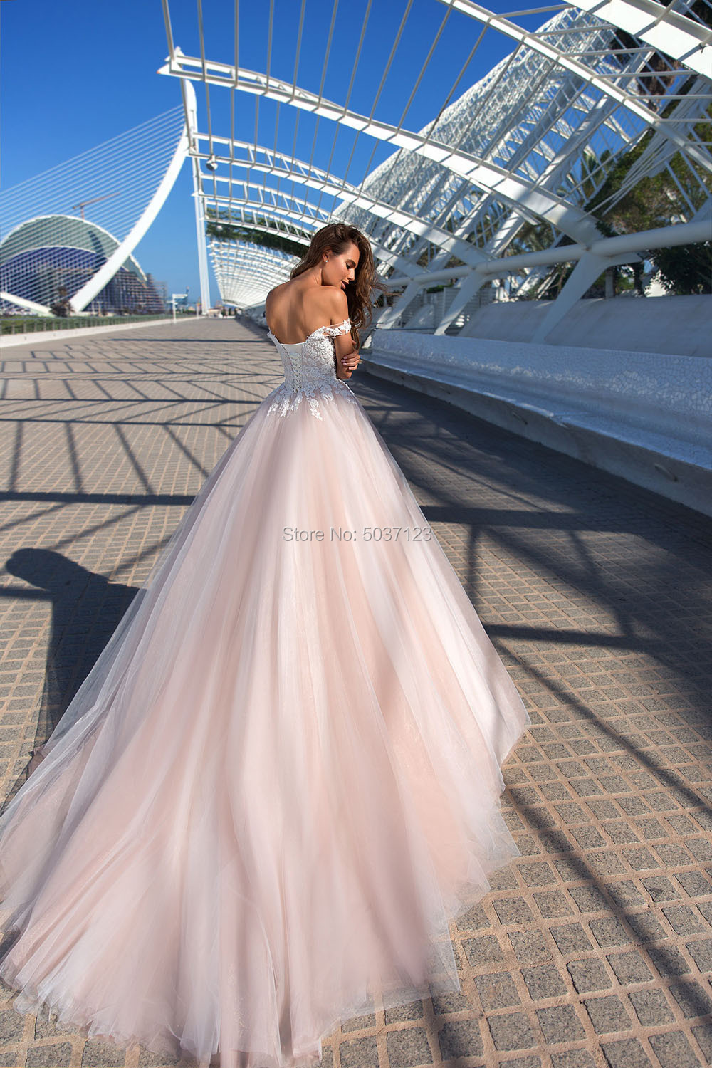 Image 2 - Beach Pink Wedding Dresses 2019 Off the Shoulder Lace Appliques Tulle Bridal Wedding Gowns Sleeveless Lace Up Vestido De Noiva-in Wedding Dresses from Weddings & Events