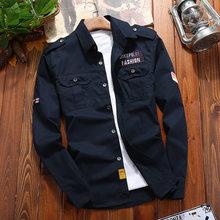 Мужская хлопковая рубашка в стиле милитари, повседневная приталенная винтажная куртка цвета хаки в стиле ретро с карманами и длинными рука...
