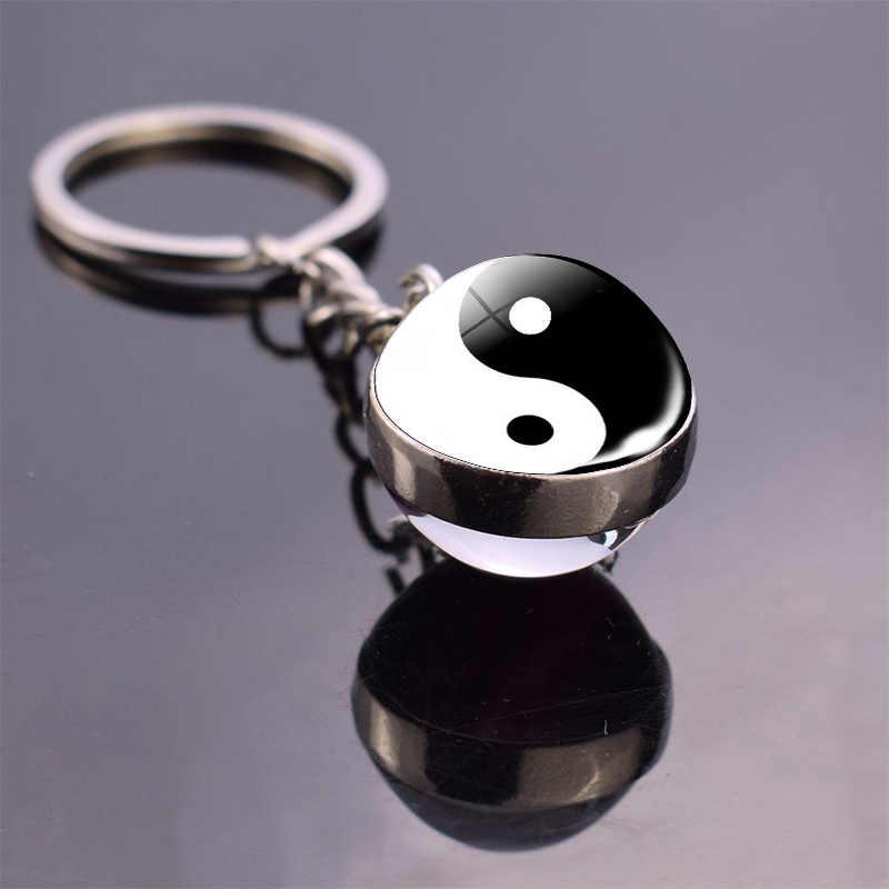黒と白の陰陽太極拳シンボルキーチェーンジュエリー陰陽命の木のガラス玉のペンダントキーホルダーのギフト