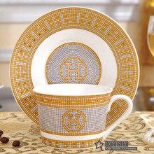 Porcelana xícara de café e pires osso china conjunto de café marca mosaico design contorno em ouro xícara de chá e pires conjunto pires
