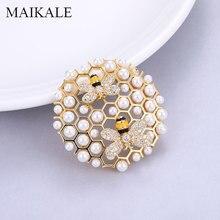 MAIKALE Luxury Pearl Pins Zirconia Broche รอบจี้เข็มกลัดสำหรับเสื้อผ้าผู้หญิงชุดอุปกรณ์เสริมของขวัญส่งเพื่อน