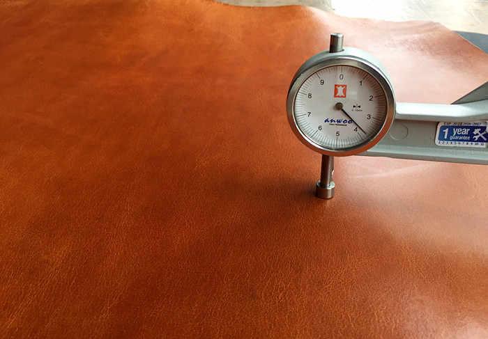 ผักกระป๋องหนังอิตาลี First layer Buffalo cowhide ผิวขี้ผึ้งน้ำมัน 3.5-4.0 มม.handmade หนังเข็มขัด, กระเป๋าสตรี,รองเท้า DIY