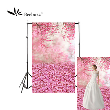 Beebuzz photo backdrop pink petals fall  photophone and scatter romantic patterns on the floor