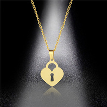 Popular Jewelry 316L Stainless Steel Couple Pendant Glossy Laser Cut Heart-shaped Lock Necklace Female