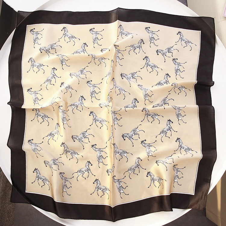 70*70 Japanese Korean Style Of The New Female Pony Simulation Trace Towel Printed Satin Scarf Small Square Decoration Scarves