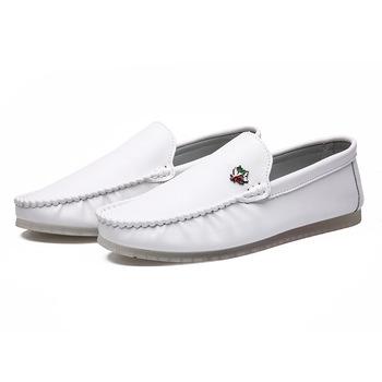 Męskie mokasyny oryginalne skórzane buty do jazdy łodzi męskie metalowe klamry wygodne wsuwane obuwie mieszkania mokasyny obuwie męskie tanie i dobre opinie QianLeiStarFlash RUBBER Slip-on Pasuje prawda na wymiar weź swój normalny rozmiar Buty łodzi Animal prints Dla dorosłych