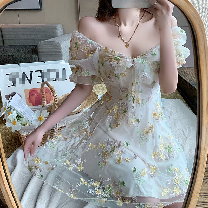 Mesh Off Shoulder Dress 2020 Women's Summer Holiday Dress Sexy Embroidery Strapless Bubble Sleeve Dress
