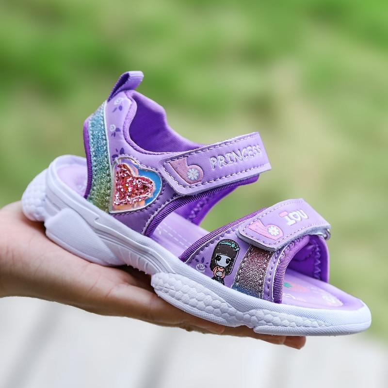 Girl's Sandals Summer New Children's Students Fashion Princess Soft Bottom Beach Shoes Lightweight Sports Comfortable Toe Purple