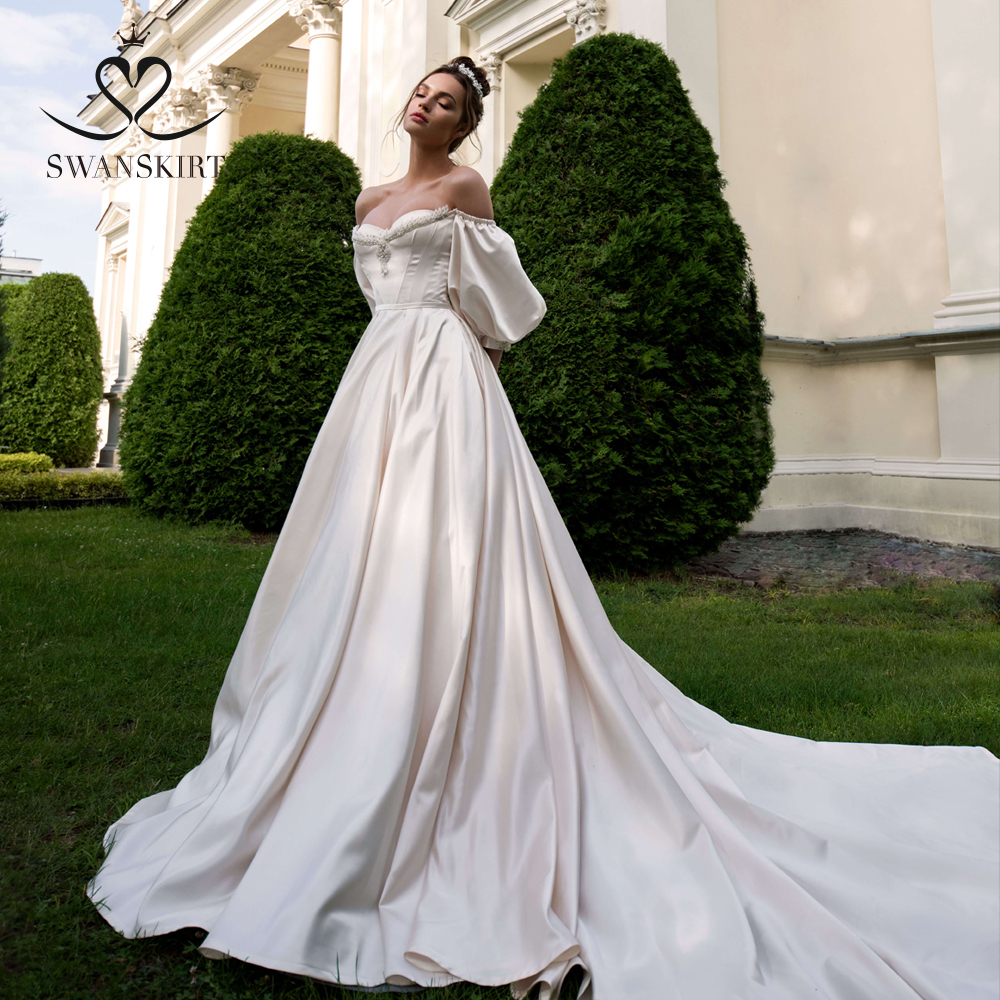 Vintage Beaded Satin Wedding Dress 2019 Swanskirt Lantern Sleeve A-Line Court Train Bridal Gown Princess Vestido De Noiva Q101
