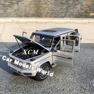 Image 3 - Литая под давлением модель автомобиля для мини хампс G Class (W 463) (серебристый) 1:18 + маленький подарок!