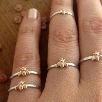 Moda damska śliczne damskie mała pszczółka pierścionki kobiece Chic Dainty pierścionki Party delikatne pierścionki biżuteria ślubna tanie i dobre opinie Miedzi Kobiety Metal TRENDY Zespoły weselne ROUND Rings Napięcie ustawianie Ślub women ring copper