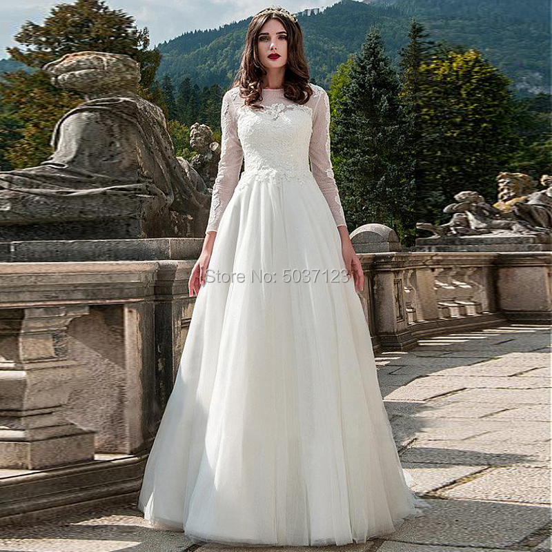 A Line Tulle Wedding Dresses Lace Appliques Long Sleeves O Neck Bridal Gown Sweep Train Button Vestido De Noiva