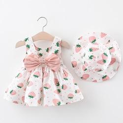 Платье с шапкой для маленьких девочек; Комплекты одежды из 2 предметов; Детская одежда с принтом клубники; Детское платье принцессы без рука...