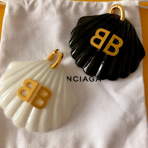 HANGZHI 2020 New Texture Retro Design Double B Letter Fan-shaped Shell Exaggerated Drop Earring for Women Girls Jewelry Gift