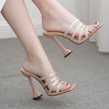 Пикантная женская обувь на высоком каблуке из натуральной кожи;