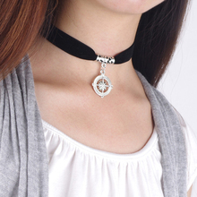Choker Necklace for Women Hollow Metal Pendant Gift Girl Simple Black Cloth Chain Gothic Flannel Necklace Fashion Jewelry цена 2017