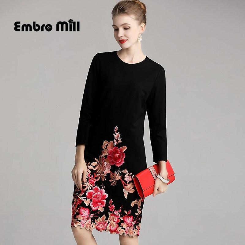 Vestido de algodón otoño estilo nacional bordado mariposa flor cuello redondo Retro suelto vestido de mujer de talla grande M 4XL