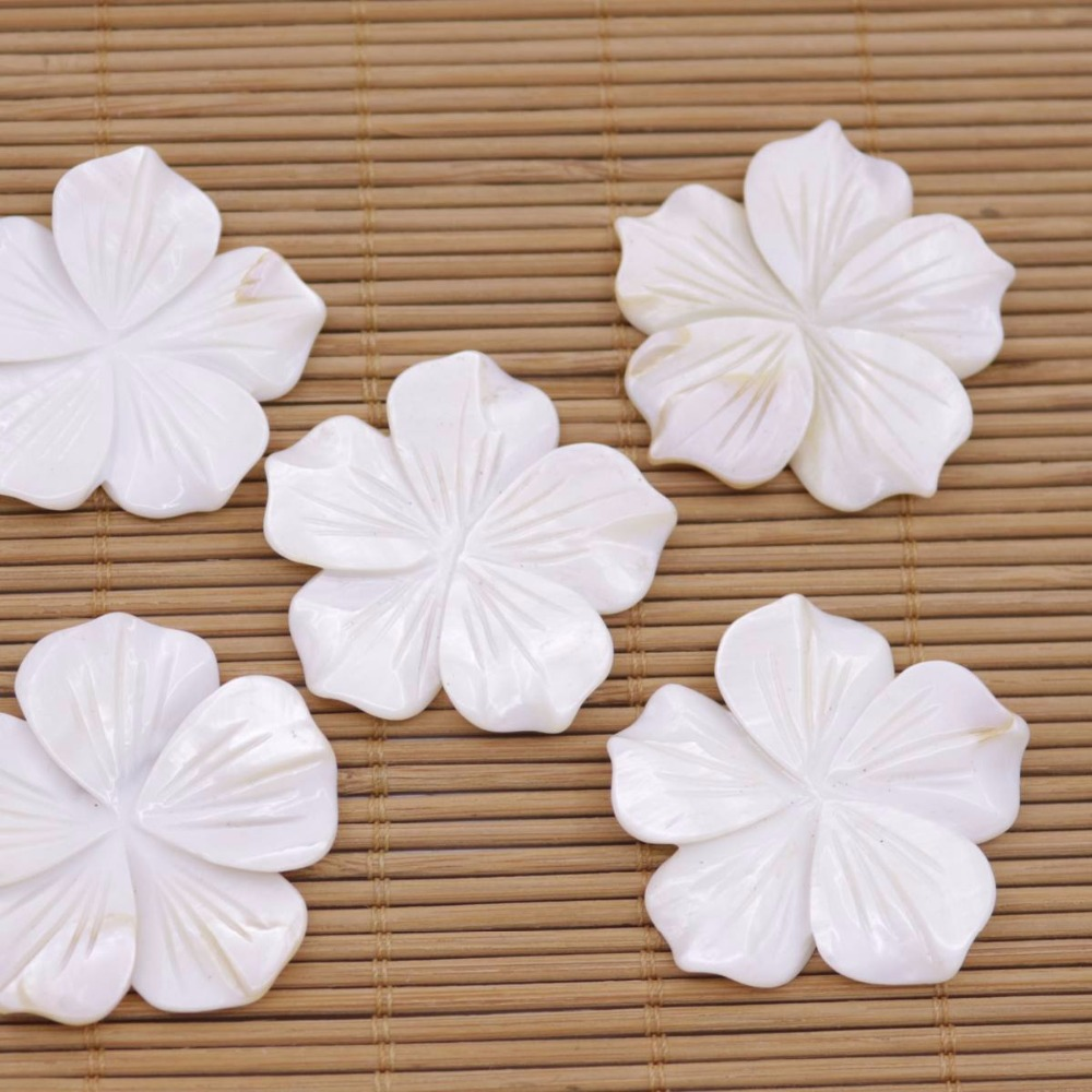 Купить с кэшбэком 5 PCS 40mm Flower Shell Natural White Mother of Pearl Jewelry Making DIY