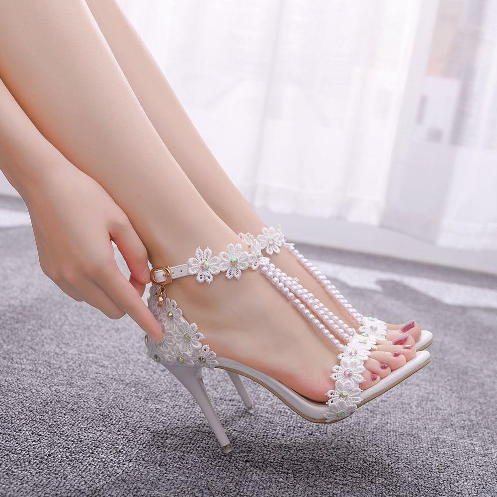 Crystal Queen Women Sandals White Lace Flowers Pearl Tassel Bridal 9cm Heel Fine High Heels Slender Bridal Pumps Wedding Shoes