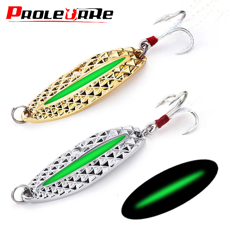 Metal Luminous Spinner Spoon Fishing Lures 7g 10g 15g Night Tackle Sequins Bait Noise Paillette With Feather Treble Hook Pesca