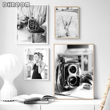 Fashion Girl Poster Black White Canvas Print Old Camera Wall Art Painting Minimalist Artwork Picture Modern Home Decoration