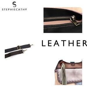 Image 4 - Sac à dos en cuir véritable pour femmes, grand sac à bandoulière à rabat, Style Vintage, Patchwork, sac à dos avec pompon, décontracté