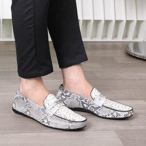 Image 3 - Fancy Exotische Echt Python Leer Soft Rubble Zool Mannen Flats Kleding Schoenen Authentieke Snakeskin Mannelijke Slip On Schoenen voor Suits