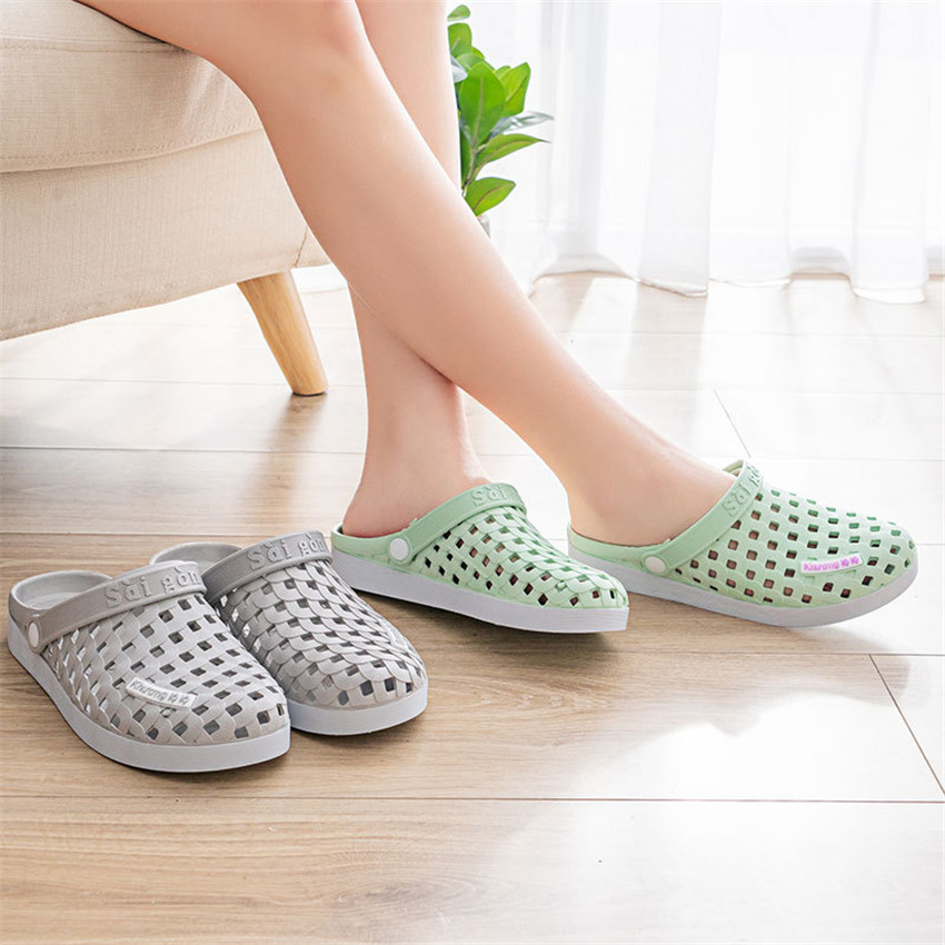 2020 New Unisex Medical Doctor Nurse Shoes Hospital Surgical Lab Waterproof Non-slip Sandals Hole Breathable Slippers