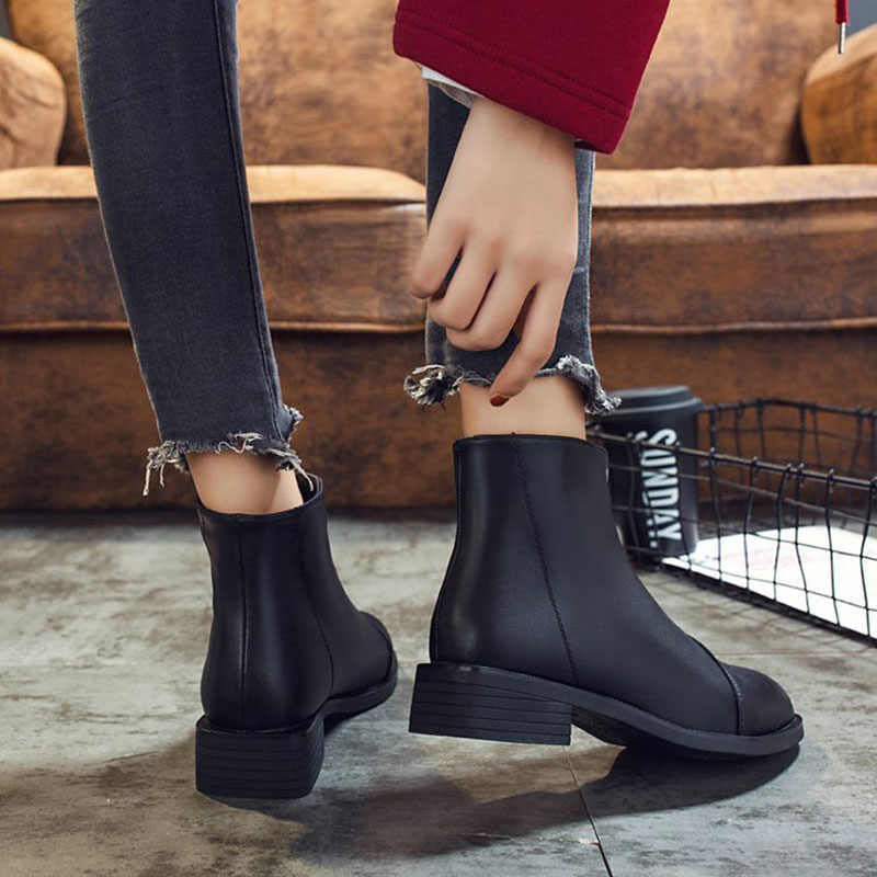 Kadın botları PU deri sonbahar kış ayakkabı kadın moda Martin çizmeler sivri burun kadın Botas Mujer kare topuk kızlar kısa Mo
