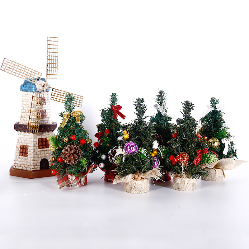 Mini Small Desktop Christmas Tree 20 Cm Holiday Family Dressing Up Atmosphere Decoration Christmas Decoration Gift