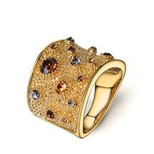 Широкие разноцветные коктейльные кольца Стразы золотого цвета
