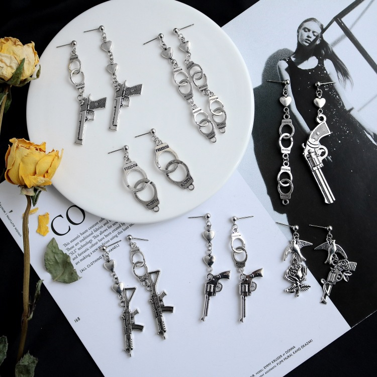 Punk Cheap Sliver Handcuffs Blade Gun Drop Earrings Creativity Jewelry Accessories Women Simple Fashion Cool Wholesale Pistols 4