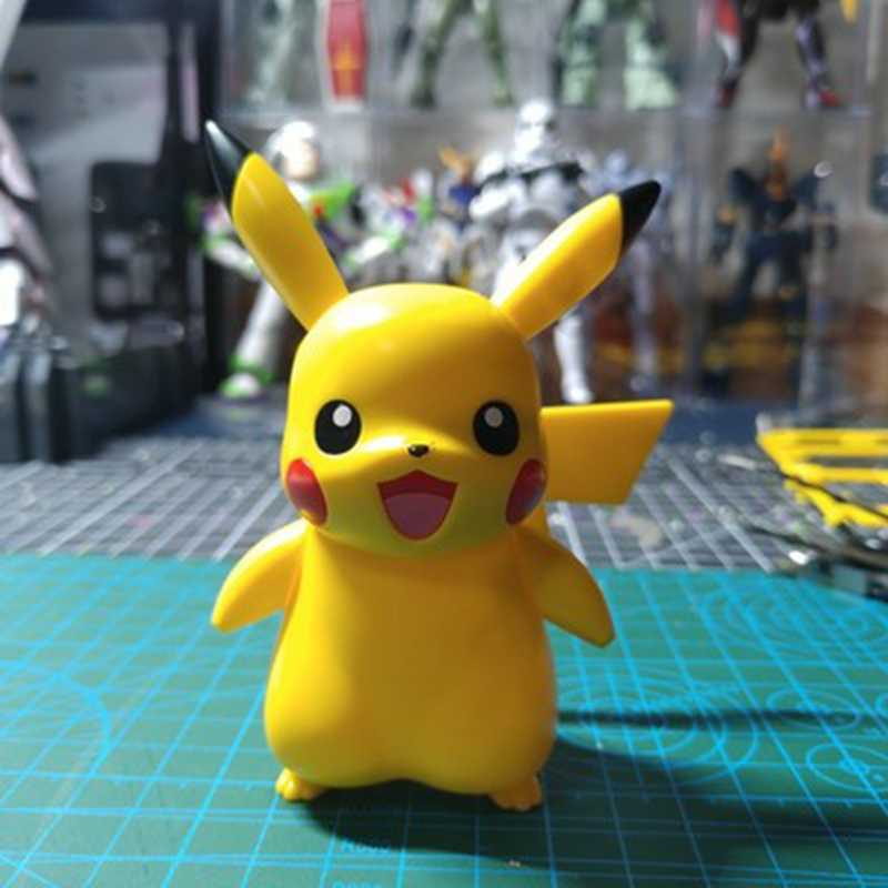 Bandai Bika Original, Super Pikachu, modelo de muñeco de PVC ensamblado para niños