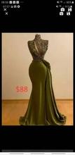 Wykonane na zamówienie dwie sukienki tanie tanio RSVPPAP Halter CN (pochodzenie) Bez rękawów Pociąg sweep Długość podłogi Prom dresses Satyna Zakładka Candy Color