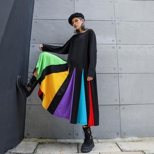 Image 5 - [EAM] נשים צבעוני פסים Hem גדול גודל שמלה חדש עגול צוואר ארוך שרוול Loose Fit אופנה גאות באביב סתיו 2020 1D621