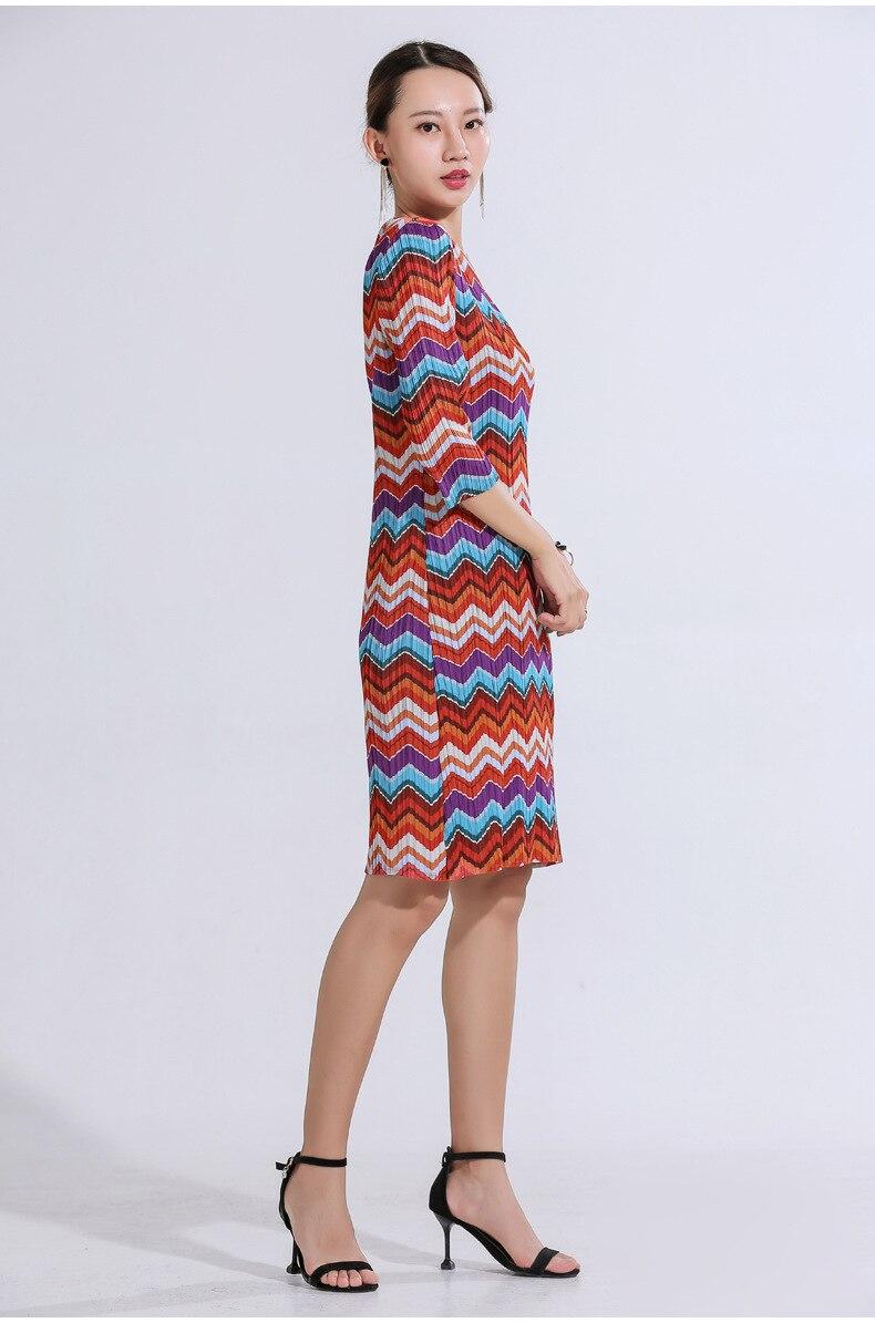 Automne nouveaux produits Miyake pli impression numérique robe mode lâche mince manches mi-longue robes livraison gratuite