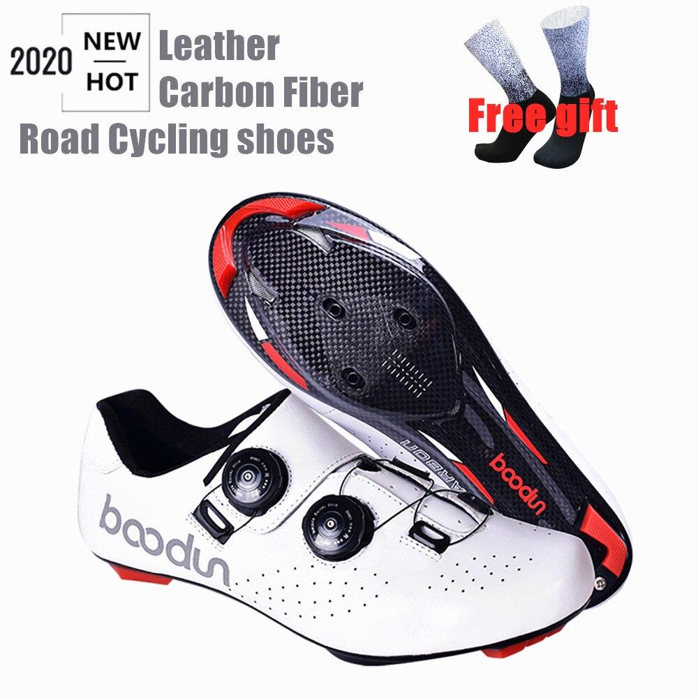 Tênis profissionais para ciclismo de estrada, calçados ultraleve de couro de fibra de carbono, para corrida e estrada, novo, 2020