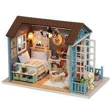 цена Miniature Dollhouse Toys For Children Kit DIY Doll House Furniture For Children Christmas Gift Casa De Boneca Wooden Doll Houses онлайн в 2017 году