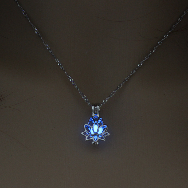H056134f7862049bb952912d5375f6ed1x - 3 Colors Glowing In The Dark Lotus Flower Shaped Pendant Necklace Charm Chain Delicacy Necklace Luminous Party Jewelry Women