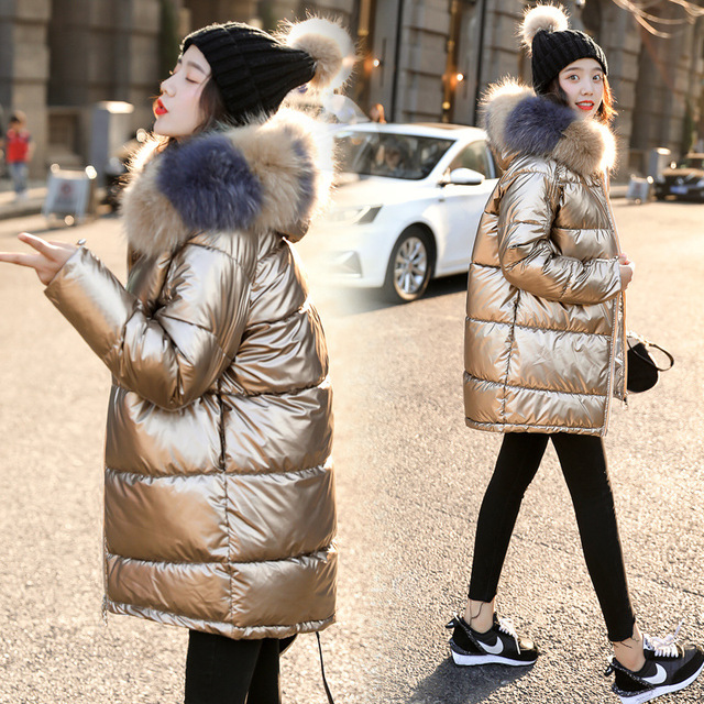 2019 New Women Winter Down Jacket Chic Big Fur Warm Ultra Light Long Coat Female Parka Hooded Glossy Jackets Oversized