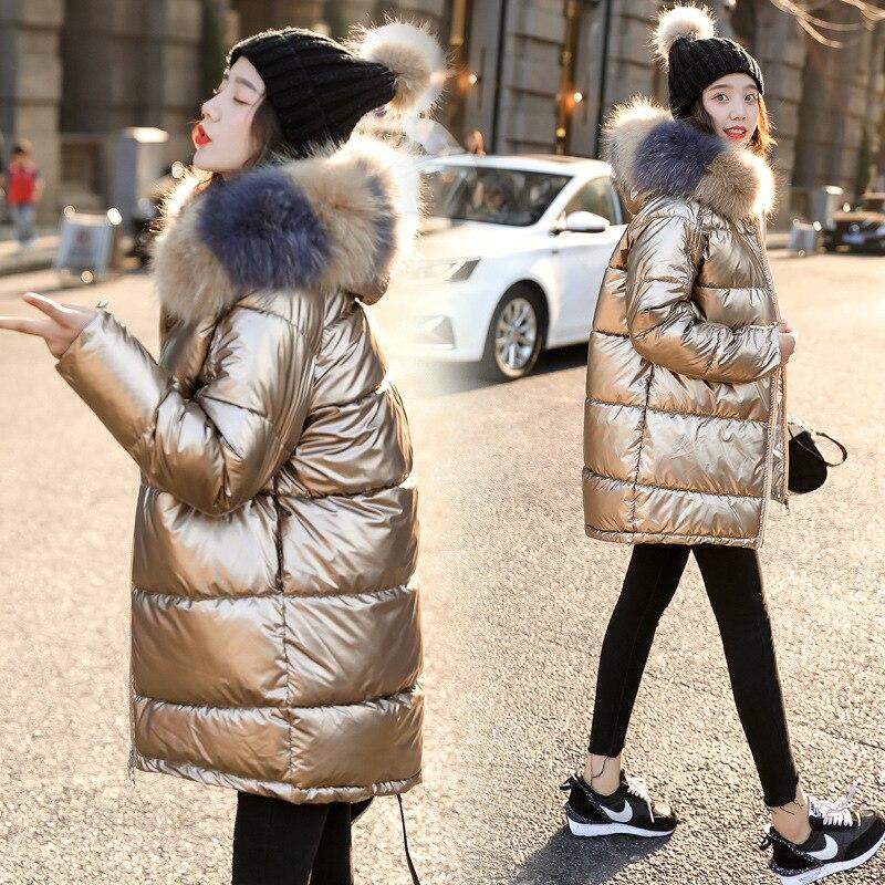 2019 neue Frauen Winter Unten Jacke Chic Große Pelz Warmen Ultra Licht Langen Mantel Weibliche Parka Mit Kapuze Glänzend Jacken Übergroßen