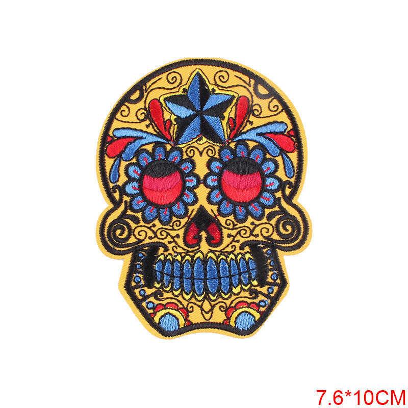 Cranio Del Ricamo Toppe E Stemmi di Ferro Sulla Patch per Abbigliamento Fai da Te Adesivi Cucire Sui Vestiti Giacca di Jeans Zaino Borsa Distintivi E Simboli F