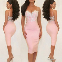 Pink Cocktail Dresses Sheath Spaghetti Straps Knee Length Appliques Lace Backless Homecoming Dresses